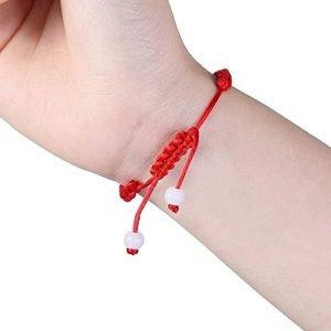 Pulsera de cuerda roja ajustable. Hecha a mano.